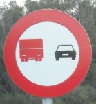 lorry-no-overtake-1