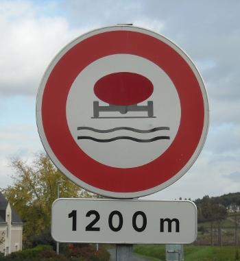Tanker at Blaison-Gohier